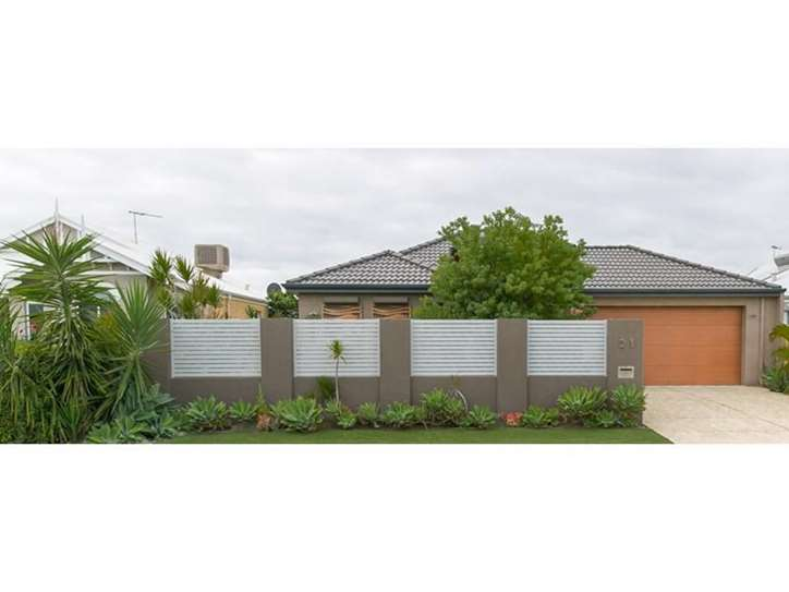 21 Castanet, Madeley