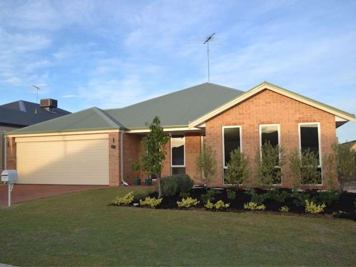 32 Highcliffe Circle, Lakelands