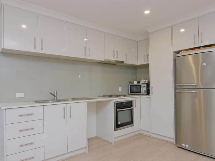 1/5 Parkview Parade, Redcliffe
