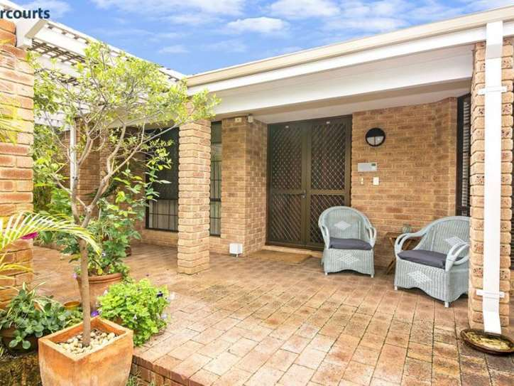 75 Bushland Retreat, Carramar