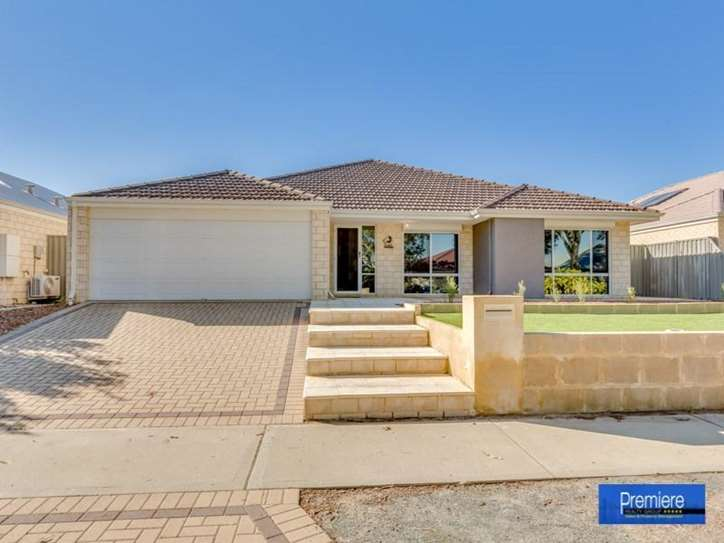 13 Hoffman Way, Byford
