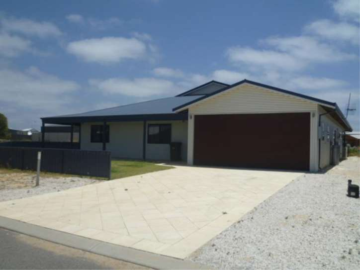 13 Pethick Loop, Green Head