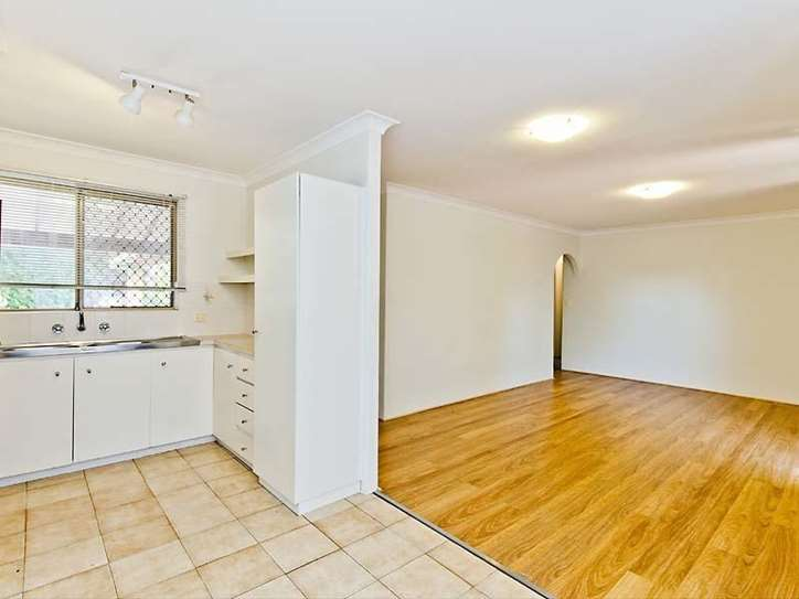2/1 Waterway Court, Churchlands