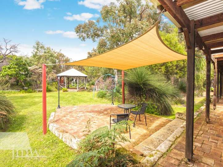 9 Rainbow Cave Road, Margaret River