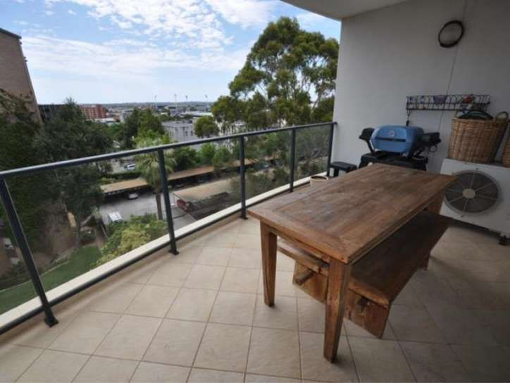 50/34 Kings Park Rd, West Perth