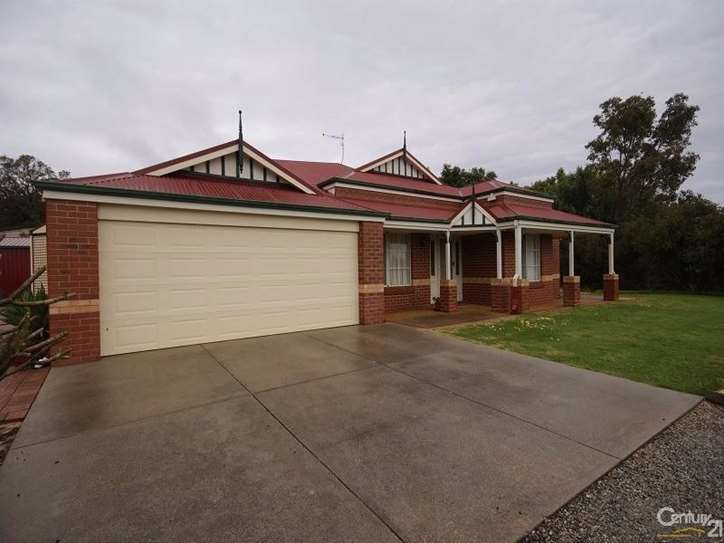 21 Scarpview Drive, Serpentine